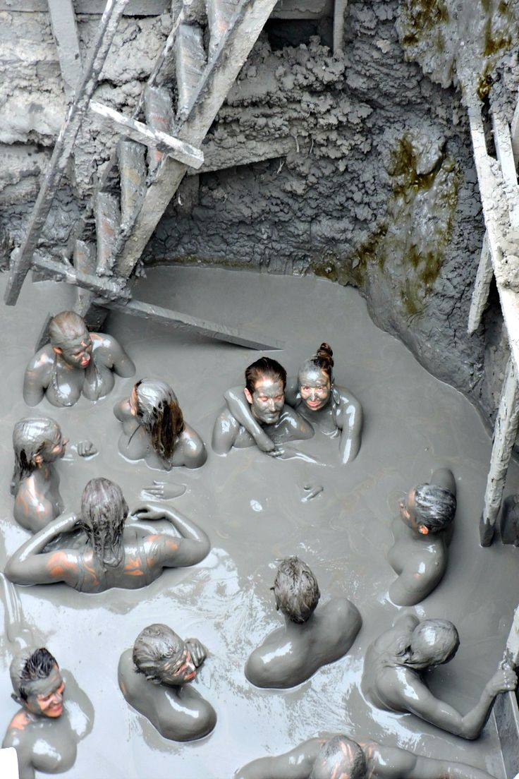 Fancy a mud bath in an extinct 'volcano' - join our essential guide to Cartagena, Colombia!