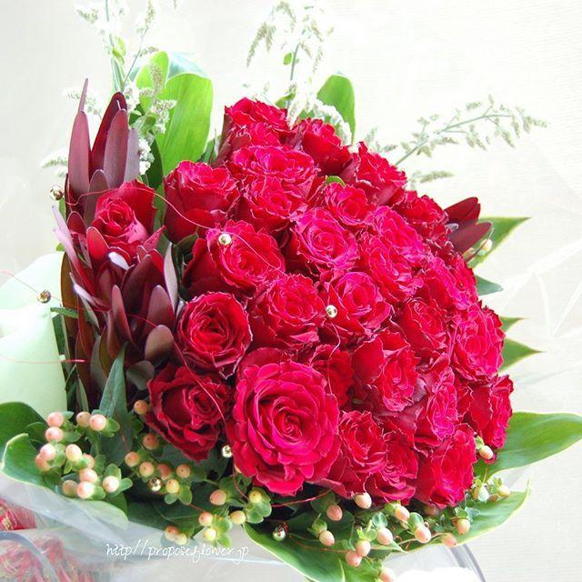 #flower#flowers#pink#flowershop#flowerdesign #bouquet #hanataba#blumen #fleur #proposeflower #rose #roses#rosebouquet#redrose#クリスマスギフト#クリスマスアレンジ #クリスマス花束#クリスマスブーケ#オーダーメイド #プロポーズ#プロポーズ花束#プロポーズフラワー#求婚花束 #花束 #薔薇の花束#バラの花束#赤い薔薇