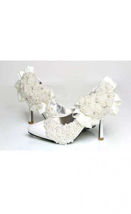 http://www.chouchoudress.com/product/women-shoes-799.html    Women's Shoes    composition  Exterior: Leather  Sole: Rubber  Heel height: 10 cm  Color: silver  Size: 34-43