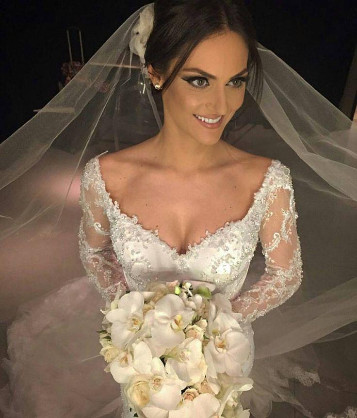 Paula Presti linda de #samuelcirnanscknoivas make-up impecável de @jrmendesmake