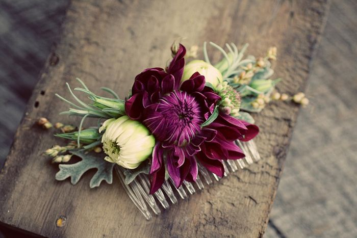 A beautiful flower comb can be worn on its own or paired with a veil