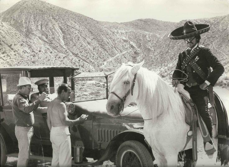 Giulio Petroni, Orson Welles (nell'auto) e Tomas Milian