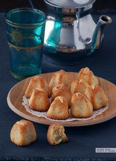 Pastas de almendra con cardamomo y azahar. Receta del delicioso mazapán judío-iraquí