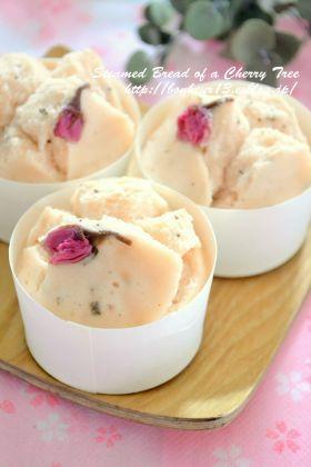 「桜の米粉蒸しパン」cocoa | お菓子・パンのレシピや作り方【corecle*コレクル】
