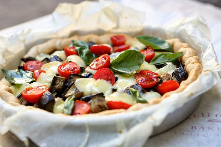 Eggplant, cherry tomatoes and scamorza quiche by California Bakery