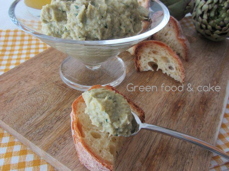 Il patè di carciofi è indispensabile per preparare gustosi antipasti o sfiziosi aperitivi. Trovate qui la ricetta: http://blog.giallozafferano.it/greenfoodandcake/pate-carciofi/