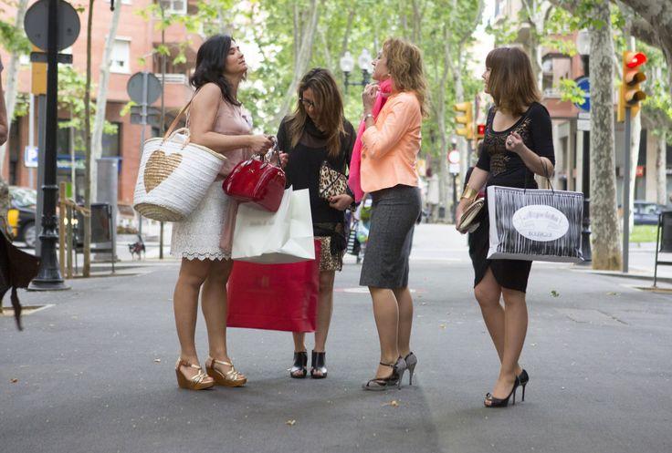 #walkingfashiontours, #brides Preparamos una ruta para novias, quieres encontrar tu vestido especial? acompañanos