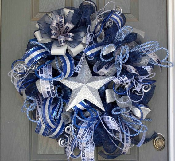 Amazing 24 inch Dallas Cowboys Wreath or can be done in any team