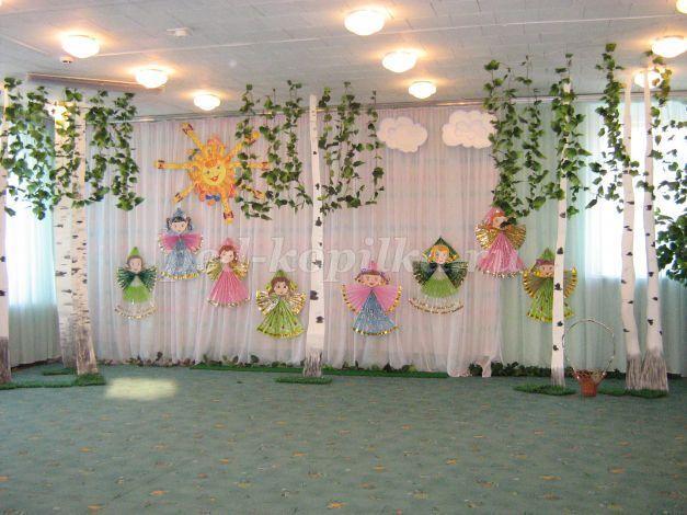 Оформление в детском саду к 8 марта
