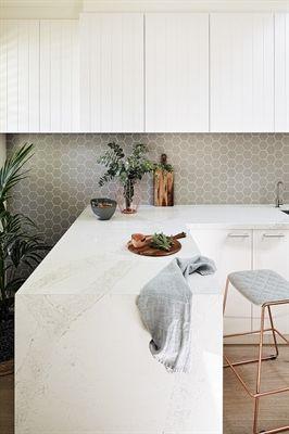 Kitchen Caesarstone Calacatta Nuvo Jasmine McClelland / Jonathan Tabensky