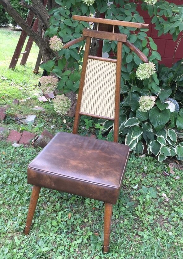 Vintage MidCentury Valet Wicker Vinyl Lift Up Seat Hanger Mens Wardrobe Valet !!
