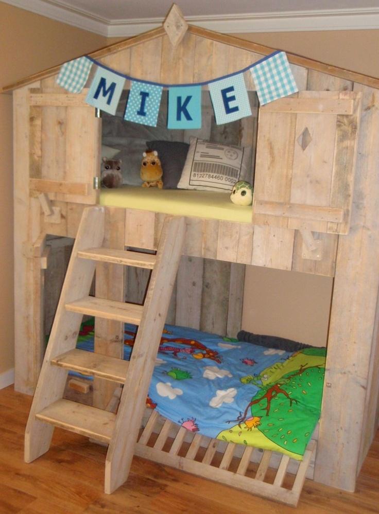 Steigerhouten boomhut bed #kinderkamer | Wooden #kidsroom www.kidskamers.nl
