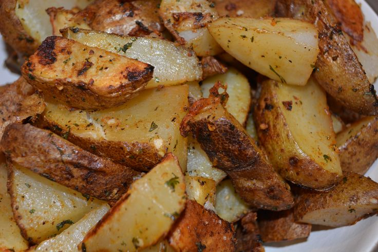 Spicy Potato Wedges | The Cookin Chicks