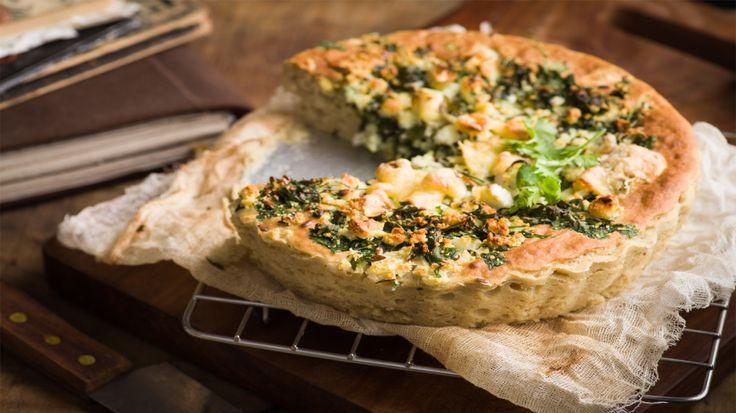 Nesta torta, a farinha de trigo é substituída pela farinha de arroz e pela fécula de batata, o que a faz uma receita sem glúten, ideal para celíacos.