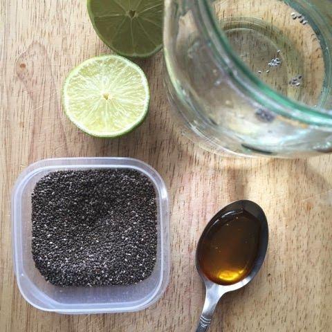 mexican water recipe. chia seeds and lime. energy drink. energetyzujący napój meksykański z nasionami chia. vegan, vegetarian. Wegetariańskie.