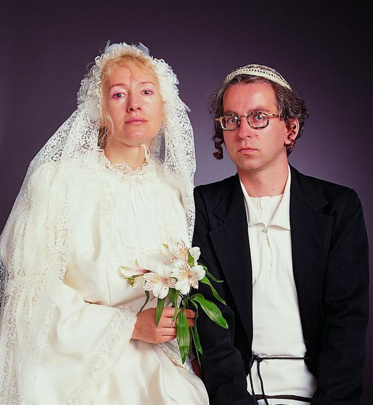 Alicja Żebrowska, Zdjęcie ślubne / Infiltracja / Ślub Protestancki w Narodowym Kościele Norweskim w Strojach Żydowskich