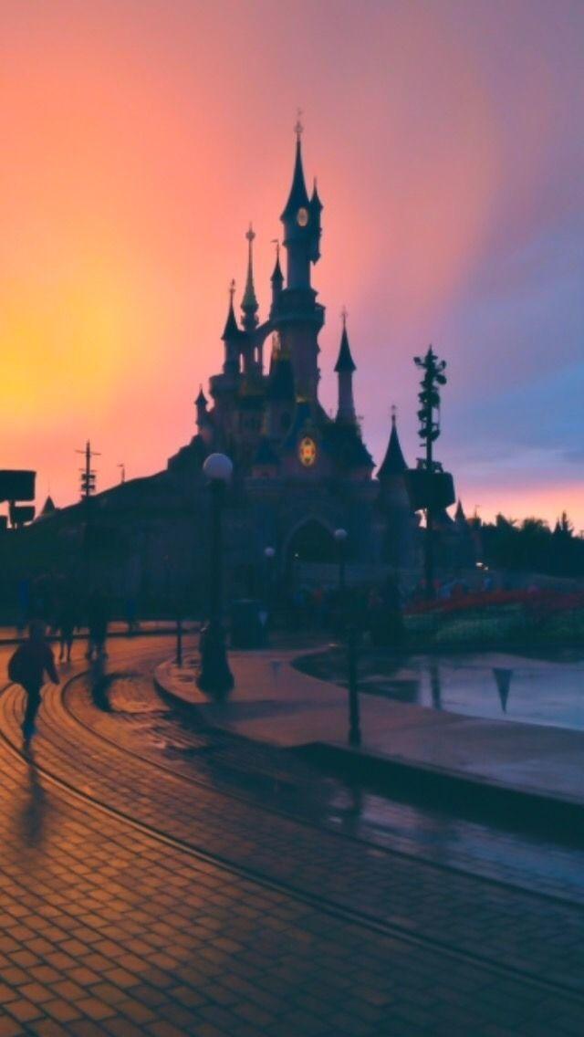 Disney Castle Lockscreens Like If U Save Use Disney Phone Wallpaper Phone Wallpapers Tumblr Phone Wallpaper