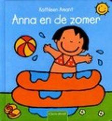 Anna en de zomer. Het is zomer! Het is lekker warm en de zon schijnt. Anna plukt kersen, speelt in de zandbak en in het zwembadje in de tuin. Prentenboek met eenvoudige, paginagrote illustraties in heldere kleuren. Vanaf ca. 2,5 jaar.