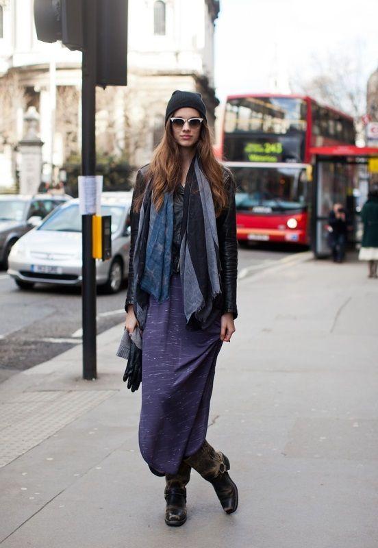 紫のロングスカート着こなしコーデ画像