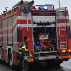 Offerte di lavoro Palermo  A Monreale danneggiata una cabina Enel roghi a Partinico Alimena e Alia  #annuncio #pagato #jobs #Italia #Sicilia Quattro incendi nel Palermitano a fuoco sterpaglie