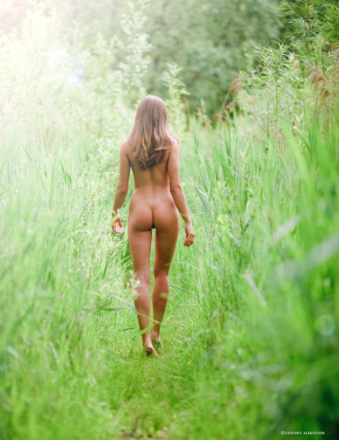 triana nakenbilder naken i skogen