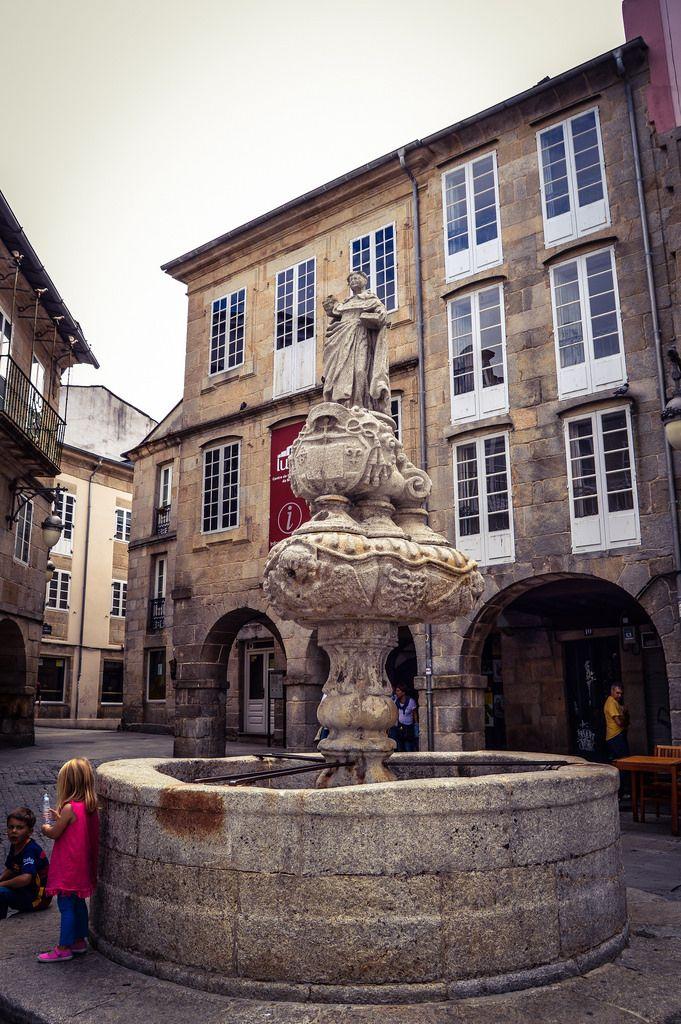 Fuente de San Vicente, Praza do Campo (Lugo - Spain)