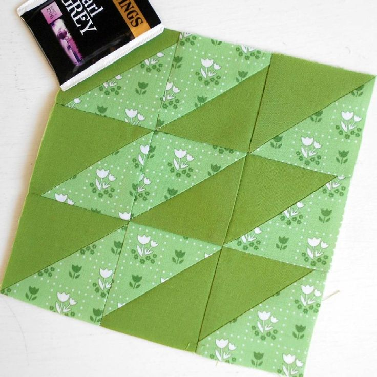 100 Modern Quilt Blocks - Block 55 - Time for a Change. And so we come to the end of the triangle section of Tula Pink's book.