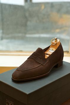 Every guy should have at least one pair of these in his closet. Gaziano Girling