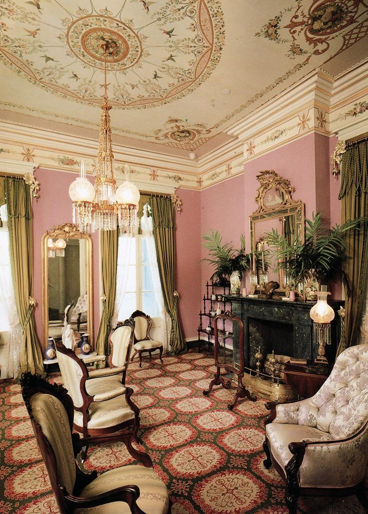 America's Painted Ladies: The Ultimate Celebration of Our Victorians:  Elizabeth Pomada, Michael Larsen, Douglas Keister painted ceilings ar  beautiful!