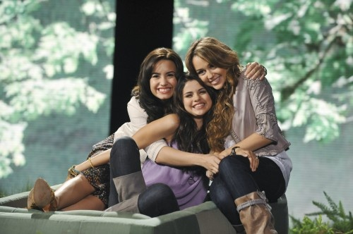 Love all 3. Demi Lovato, Selena Gomez, & Miley Cyrus.