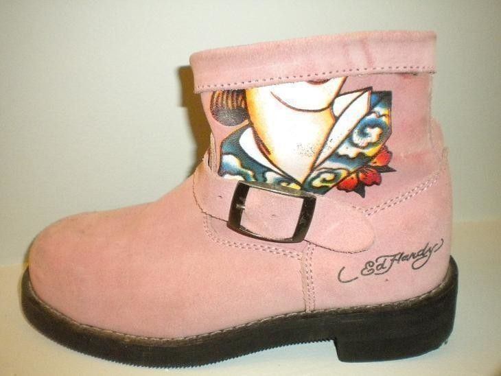 Reconstructing Old Boots  •  Free tutorial with pictures on how to make a boot in under 60 minutes