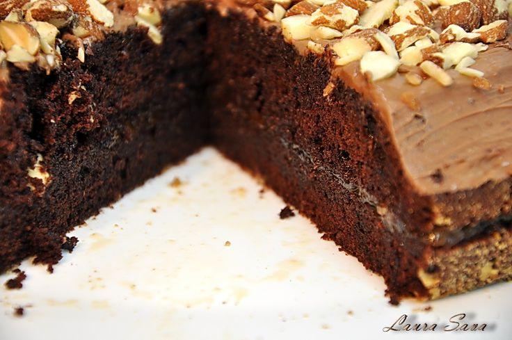 Tort de ciocolata simplu si rapid