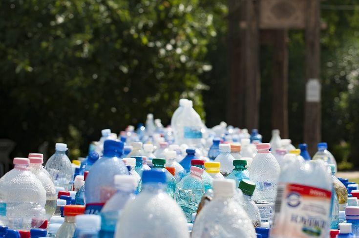 El conglomerado de empresas Water UK calcula que la recarga de agua podrían reducir la presencia de botellas de plástico en decenas de millones anuales.