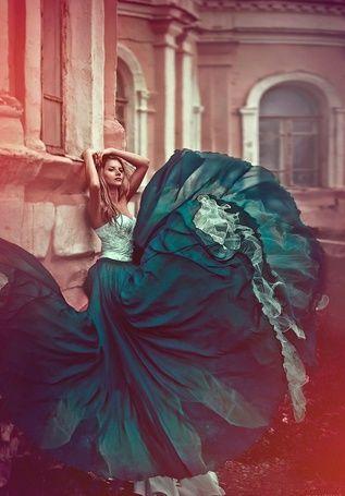 Фото Девушка в красивом зеленом платье, фотограф Светлана Беляева (© ), добавлено: 11.11.2012 21:03