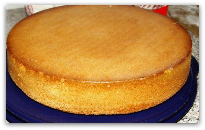Mnoge se često pitaju kako ispeći dobar biskvit, jer ne ispadne uvek najbolje. Upravo od njega  često zavisi i kvalitet torte. Pa, u čemu je onda tajna pravljenja klasičnog biskvita? Istina nije daleko od nas.
