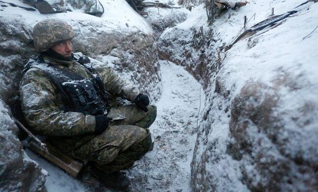 Сутки в АТО: 55 обстрелов, один военный ранен - видео http://news.liga.net/video/incident/14680497-sutki_v_ato_55_obstrelov_odin_voennyy_ranen_video.htm  Боевики продолжают обстреливать позиции украинских военных в зоне АТО  из тяжелого вооружения
