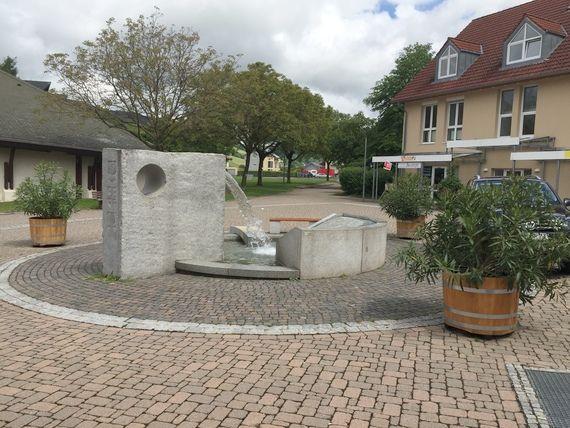 Referenzen: Blumenkübel - Pflanzkübel - Holzkübel online kaufen