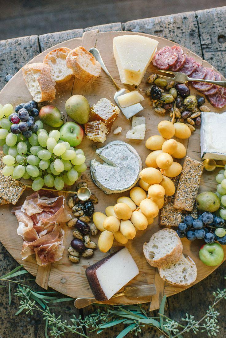 A Friendsgiving Feast!   HonestlyYUM (honestlyyum.com)