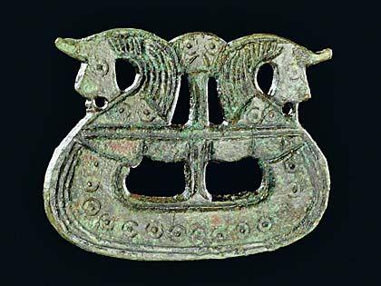 Viking age / Brooch shaped like a ship (800-1050, Tjørnehøj II, Fyn, Denmark). Copper