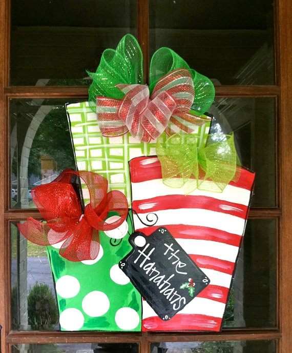 Christmas present door hanger.
