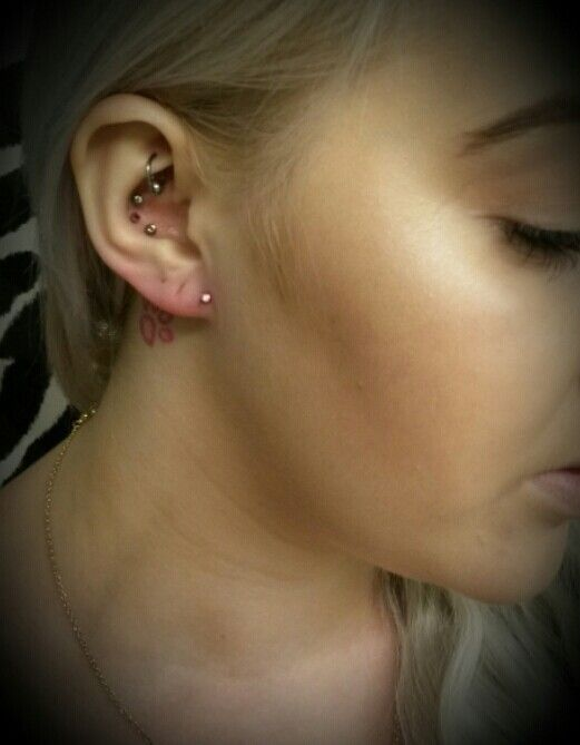 Anti lobe ear piercing ♥