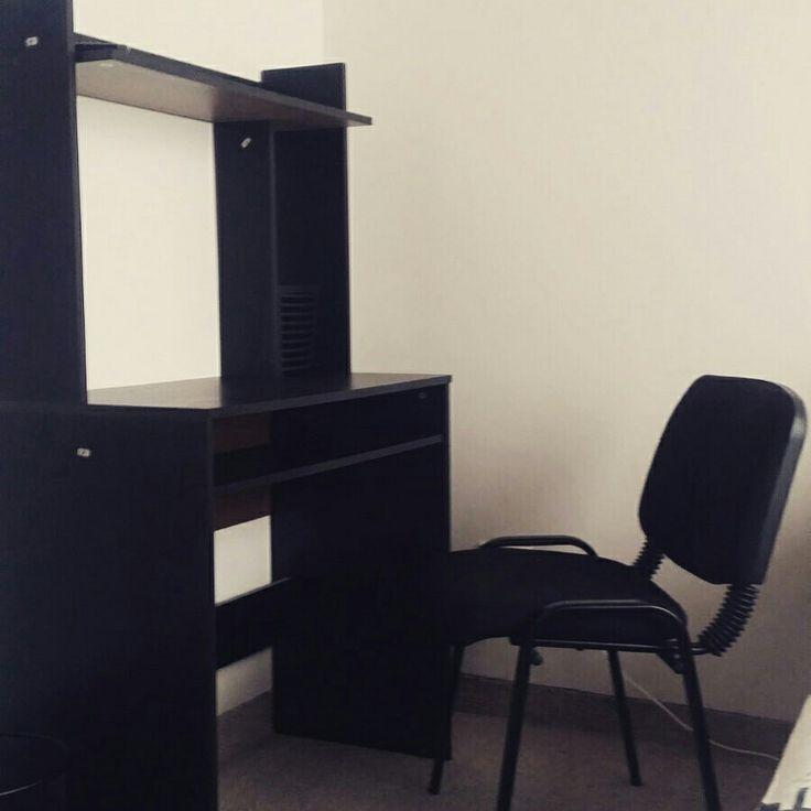 Mesa de escritorio y silla negra Nuevos productos en DomiDesign.com.co
