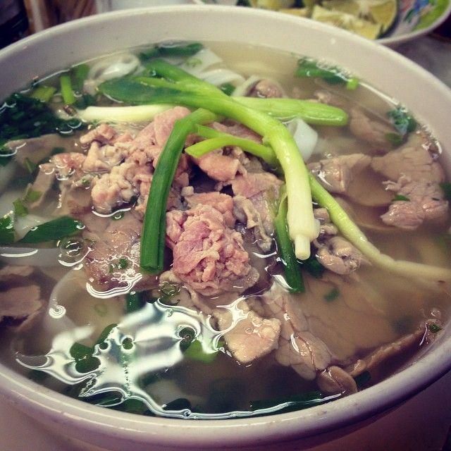 Instagram photo by customer: akitake_thu_truc_vo  #pho#vietnameseboodle#hanoi#autumn#night#ilovefood#foody#foodporn#muingogai