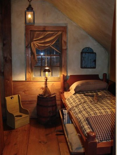 Reminds Me Of Laura And Mary Ingalls Bedroom .from Little House On The  Prairie!