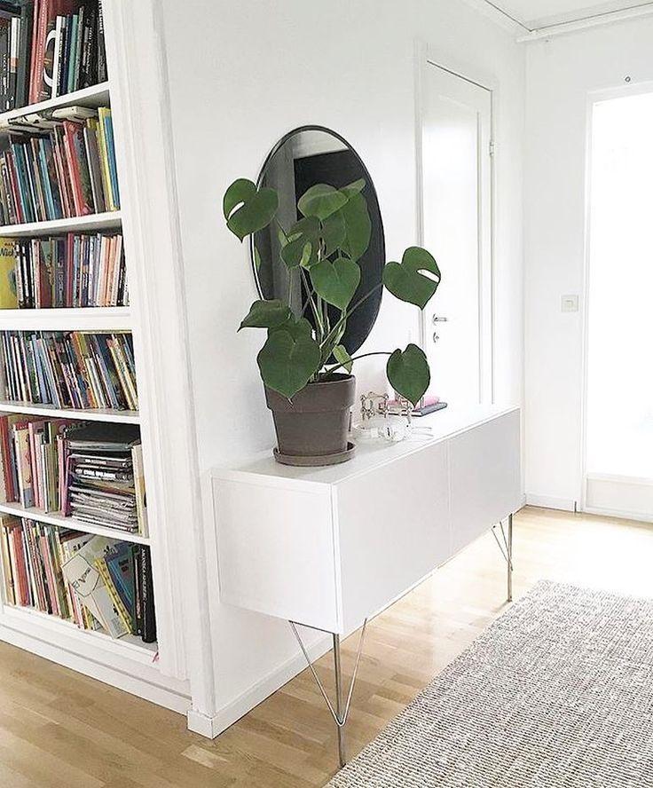 """@linzoshouse su Instagram: """"Här har vi utnyttjat en garderob till att bygga in en bokhylla 👍😊 . . . #roomforinspo #whitehome…"""""""