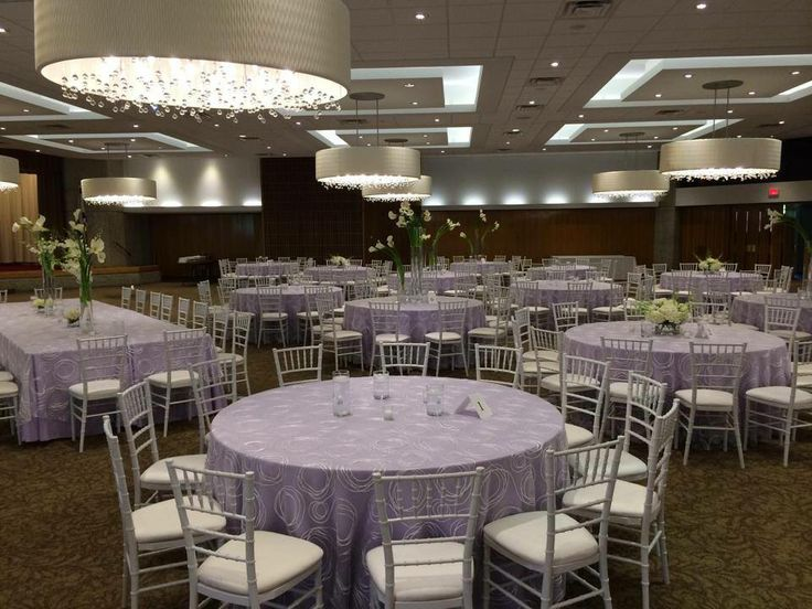 Some lovely lavender linens with our swirly ribbon overlays at Baypointe Country Club #purplewedding #overlays #silverchiavari #gorgeous #elegant #affairstoremember