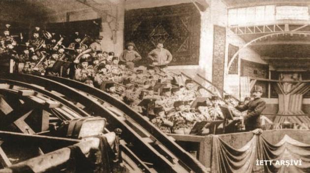 İETT arşivinden1875 - Tünel'in açılış merasimi, Karaköy