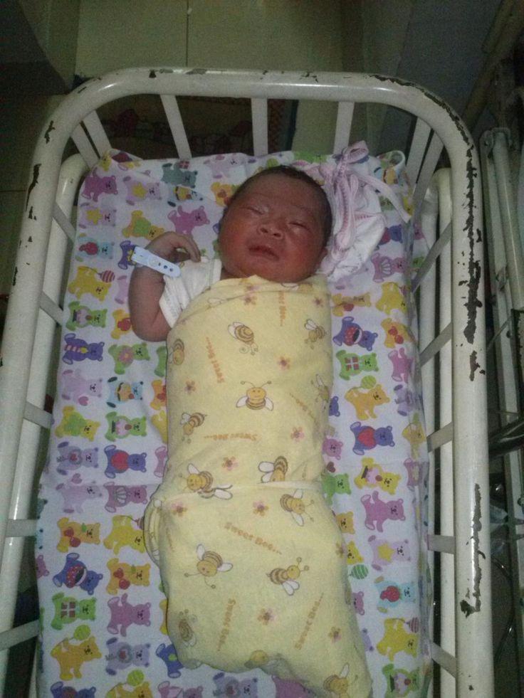 Putra pertamanya NovendiBlack (Bassist Jalan band).