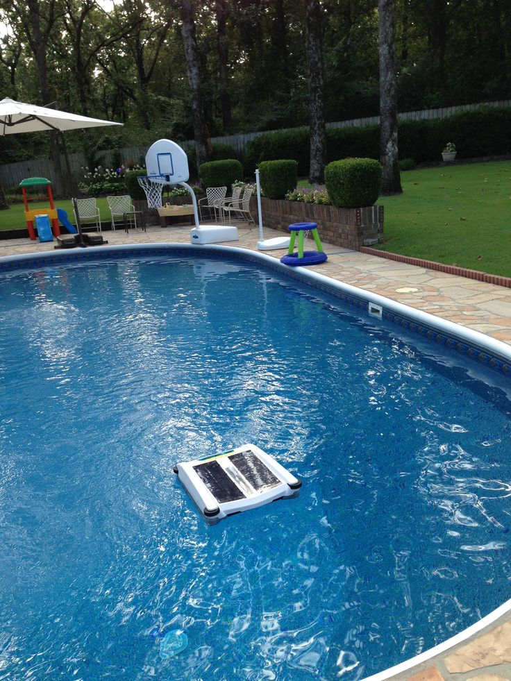 Solar-Breeze #solar-powered #robot is keeping Kenneth & Ernestine's pool sparkling clean