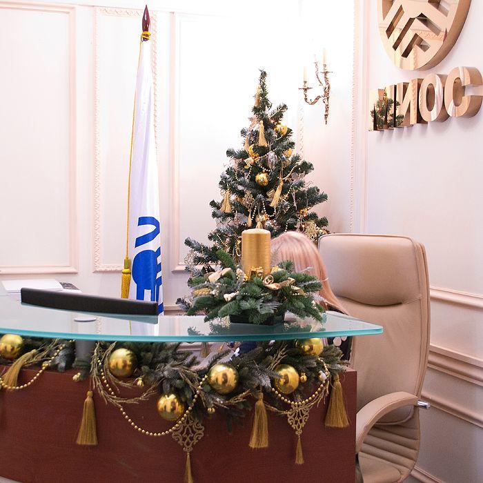 17 best office images on Pinterest | Christmas deco, Christmas decor ...
